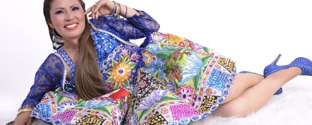 GLORIA SANCHEZ  en  «vivo» graba  video clip