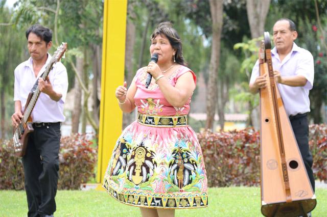 perlita-de-huaral-santoyo-04-full-ritmo