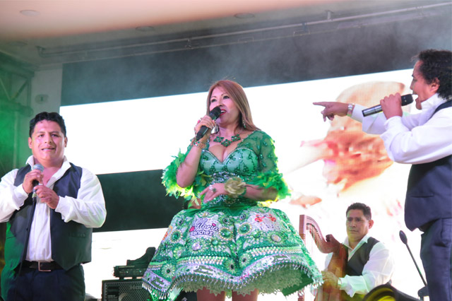 GLORIA-SANCHEZ-GRABA-VIDEO-CLIP-EN-VIVO-03-FULL-RITMO