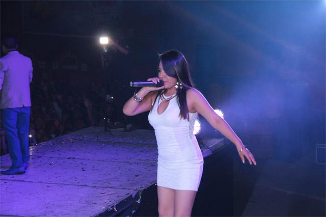 nueva-cantante-de-Lerida-03-full-ritmo