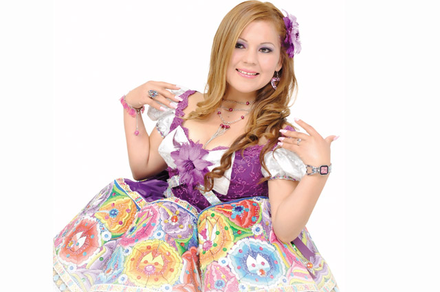 rosita-sandoval-reina-fiestas-patronales-01-full-ritmo