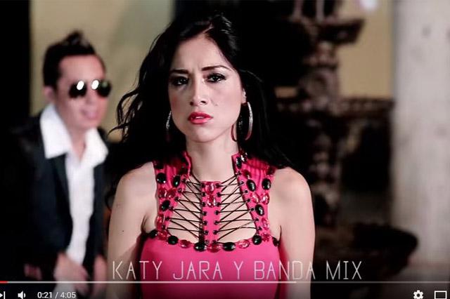 katy-jara-dfenuncia-mano-negra-01-full-ritmo