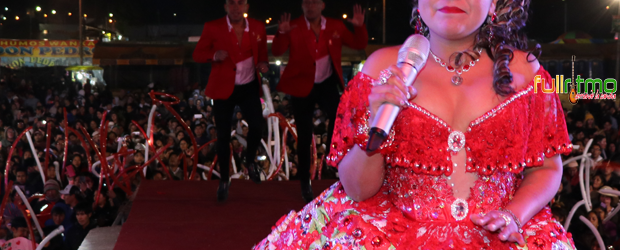 SE VISTIÓ DE ROJO Y BLANCO… y brilló en Huancayo