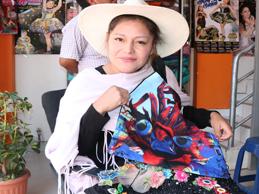 QUILCA, sus bolsas y neceser multicolores