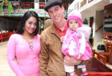 bailarina de Pintura Roja feliz con cubano