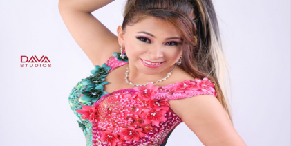Sandra Prado cautiva con el huayno con arpa