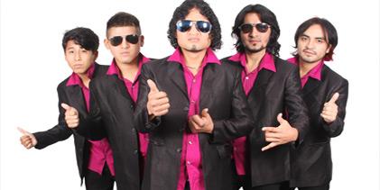 GRUPO VOLUMEN EN  ANIVERSARIO DE LOS PUNTOS