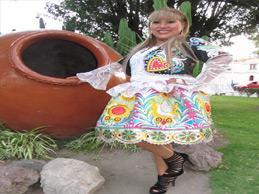 SAMARA DE  LOS ANGELES  La brujita del folclor