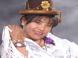 Yolanda Calcina,a la voz sentimental de Azàngaro llega a Lima