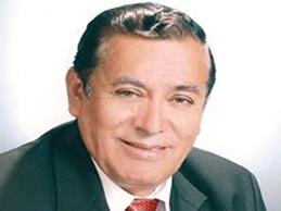 Rafael León compone canciones y organiza cursos para artistas