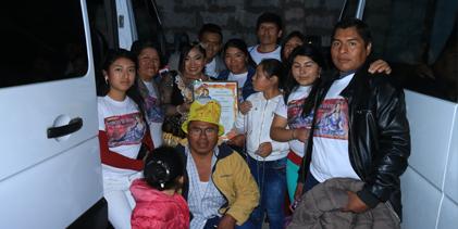ROSITA CON EL CLUB DE FANS AMORES PROHIBIDOS de AREQUIPA