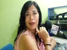 Desde su casa hace radio, en HUARAZ
