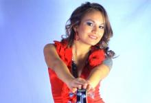 SISSY ARELLANO, la bomba sexy de la cumbia